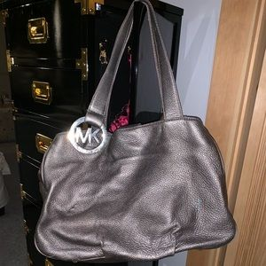 Micheal Kors Purse Grey
